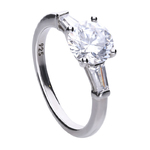 Engagement ring silver with white Diamonfire zirconia stones in trapzoidal shape. Total ca 2.5 ct
